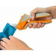 """Fiskars Easy Action Tabletop Rag Quilt Snip 8"""" by Fiskars Scissors - OzQuilts"""