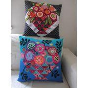 Bloomin' Basket Cushions Pattern by Wendy Williams by Wendy Williams of Flying FIsh Kits - Wendy Williams