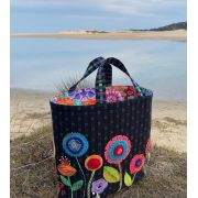 Rachels Bag Pattern by Wendy Williams by Wendy Williams of Flying FIsh Kits - Wendy Williams