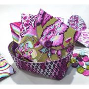Prezzies Pattern by Lazy GIrl Designs by Lazy Girl Designs - Bag Patterns