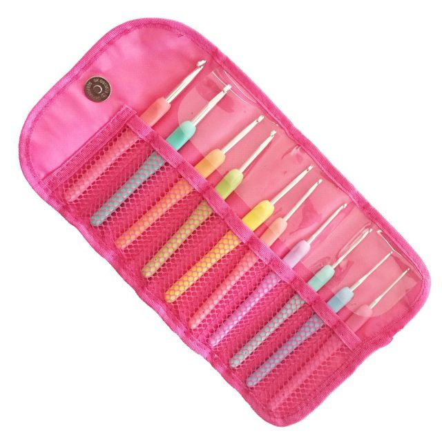 Crochet Hook Set of 10 Hooks in a Storage Case by OzQuilts Great Gift Ideas - OzQuilts