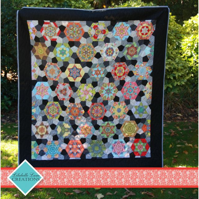 Southern Aurora Quilt Pattern & Acrylic Template by Lilabelle Lane Creations by Lilabelle Lane Creations EPP Patterns & Books - OzQuilts