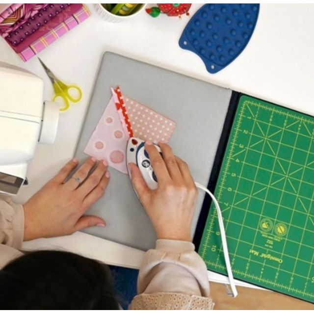 Omnigrid Tote Size Foldaway Cutting Mat & Pressing Surface by Omnigrid - Cutting Mats